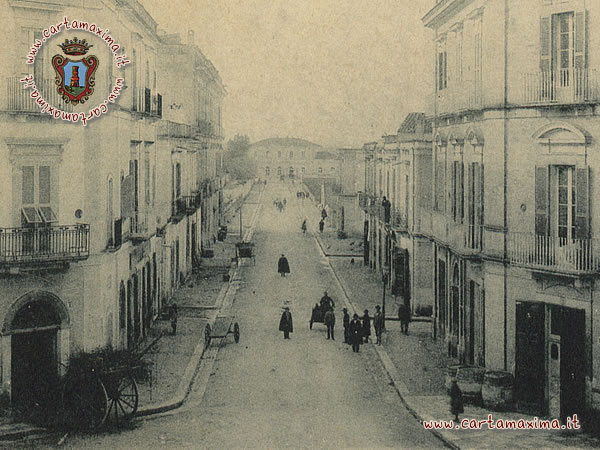 http://it.wikipedia.org/wiki/Stazione_di_Empoli